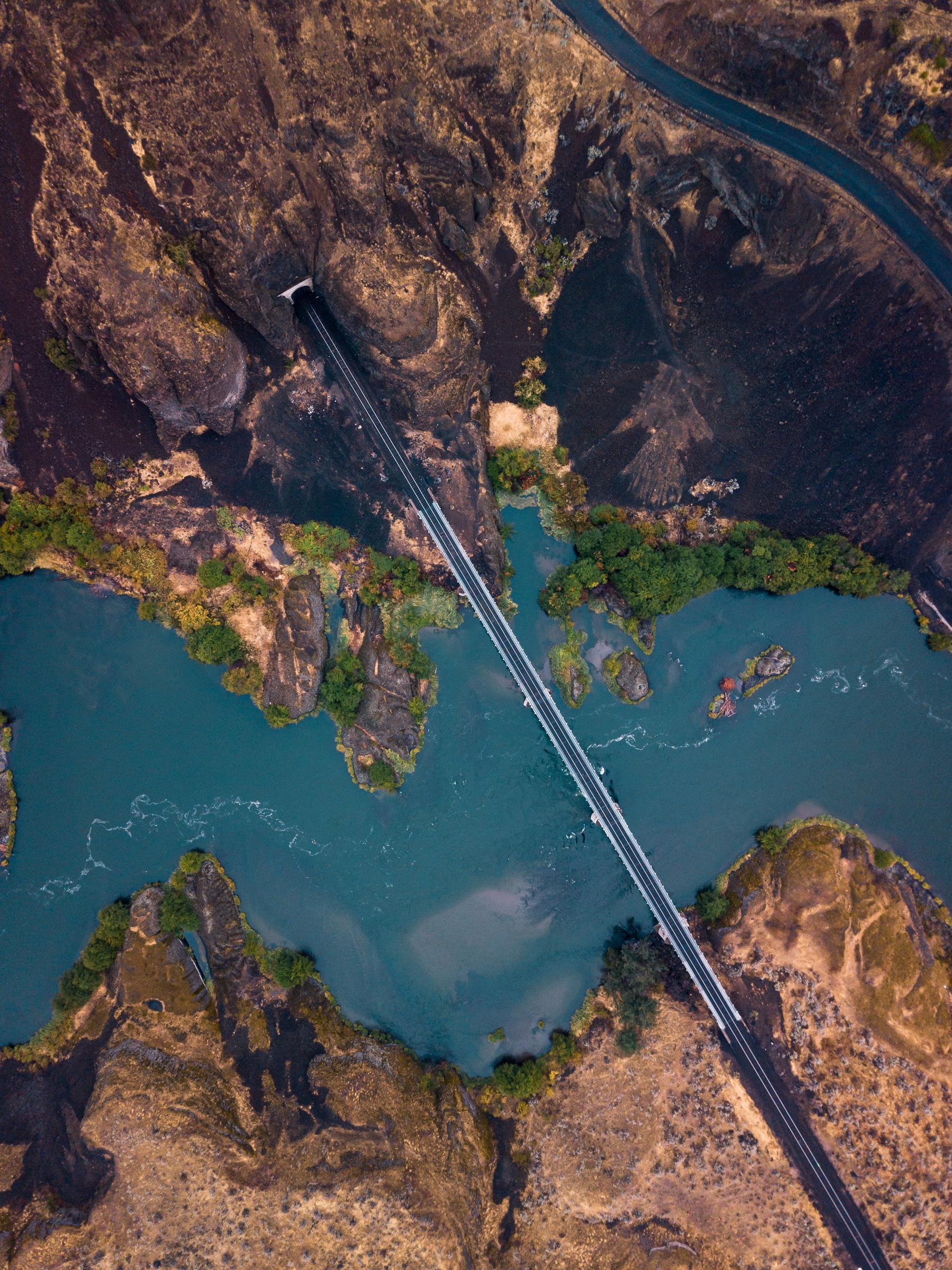 railroadmountainsstraightdowndiag_typoland_aerial-1.jpg