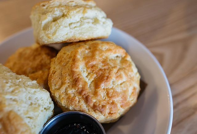 Biscuits & Booze is THIS WEDNESDAY and there's only a few tickets left! Chef Corey will be walking through his famous buttermilk biscuit recipe as you make your own from scratch with tools to take home! There's also gonna be booze 🍹 and you'll learn to make a Milo cocktail. Head to the link for tickets! 🔗