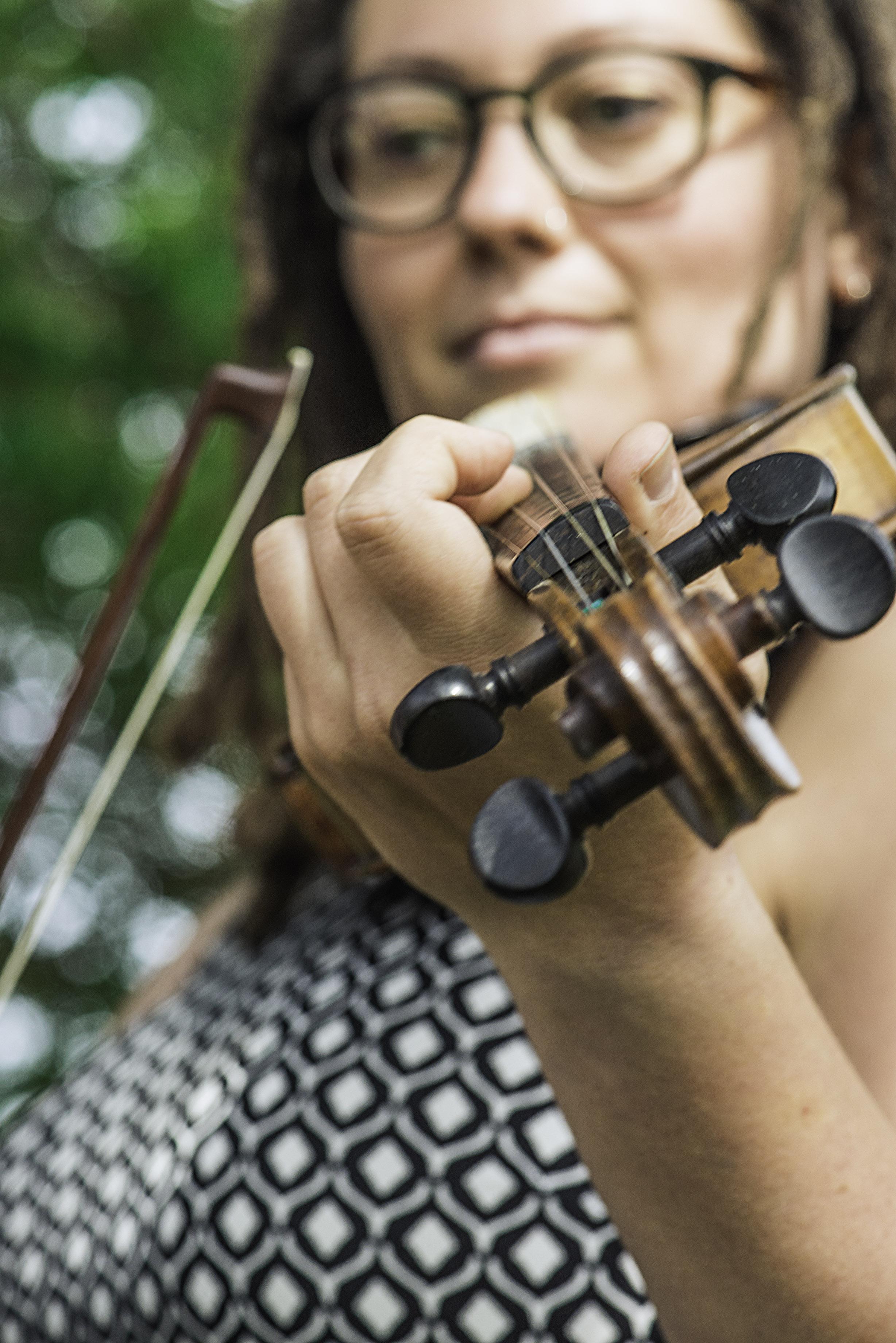Heidi B w Violin 0327 Web.jpg