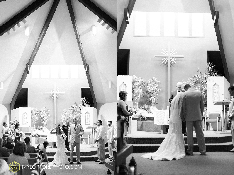 carmel_indiana_wedding_photography_taylor_ford_0708.jpg