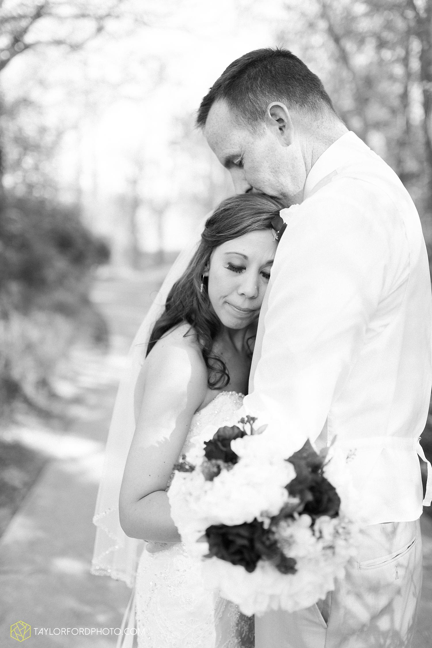 carmel_indiana_wedding_photography_taylor_ford_0720.jpg