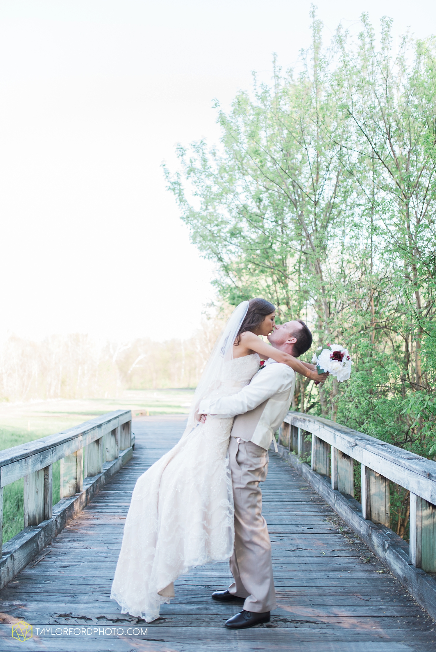 carmel_indiana_wedding_photography_taylor_ford_0726.jpg
