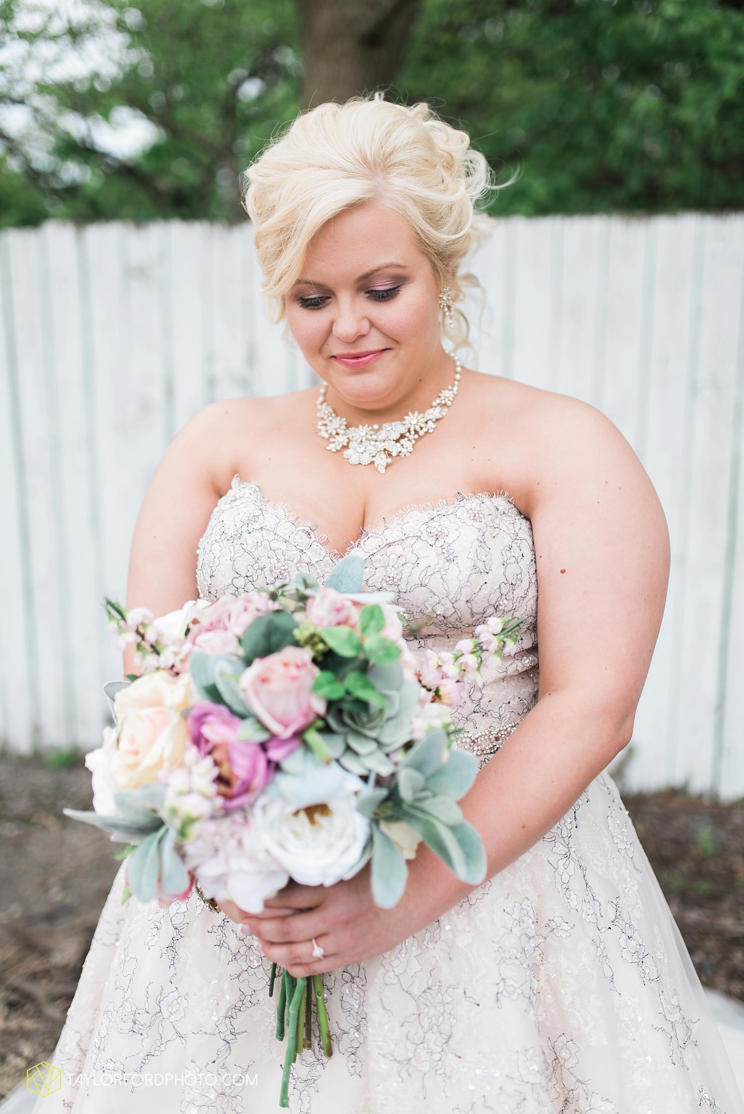 van_wert_ohio_wedding_photographer_taylor_ford_1225.jpg