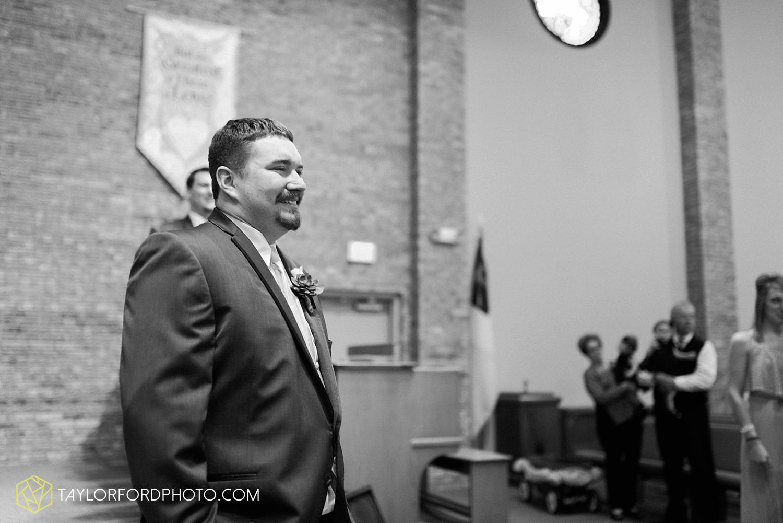 van_wert_ohio_wedding_photographer_taylor_ford_1241.jpg