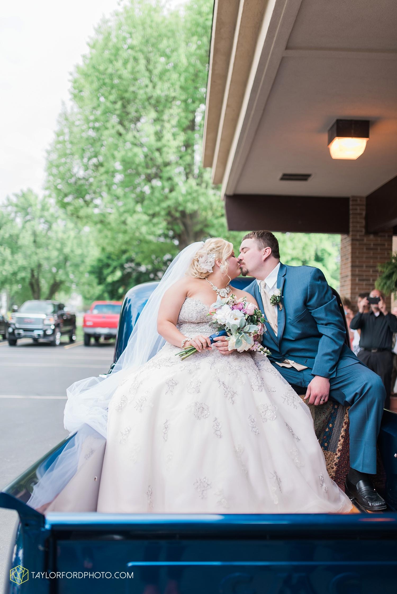 van_wert_ohio_wedding_photographer_taylor_ford_1287.jpg
