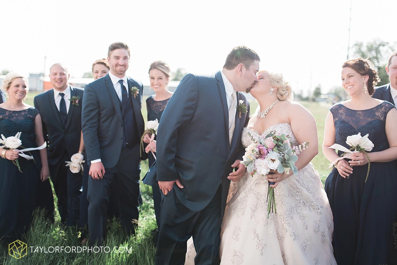 van_wert_ohio_wedding_photographer_taylor_ford_1291.jpg