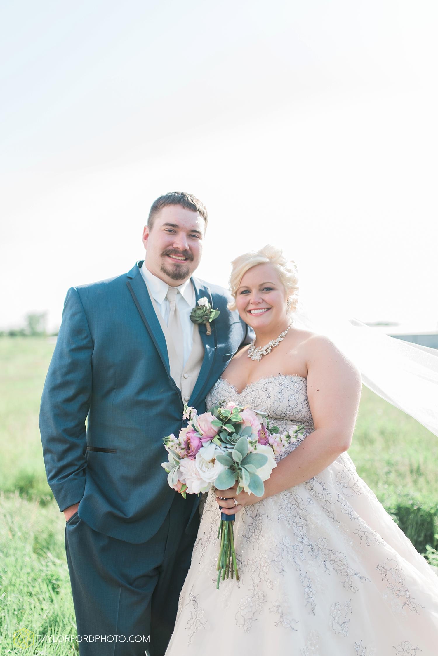 van_wert_ohio_wedding_photographer_taylor_ford_1292.jpg