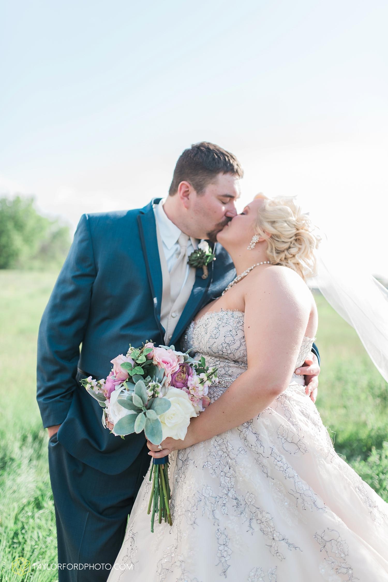 van_wert_ohio_wedding_photographer_taylor_ford_1293.jpg