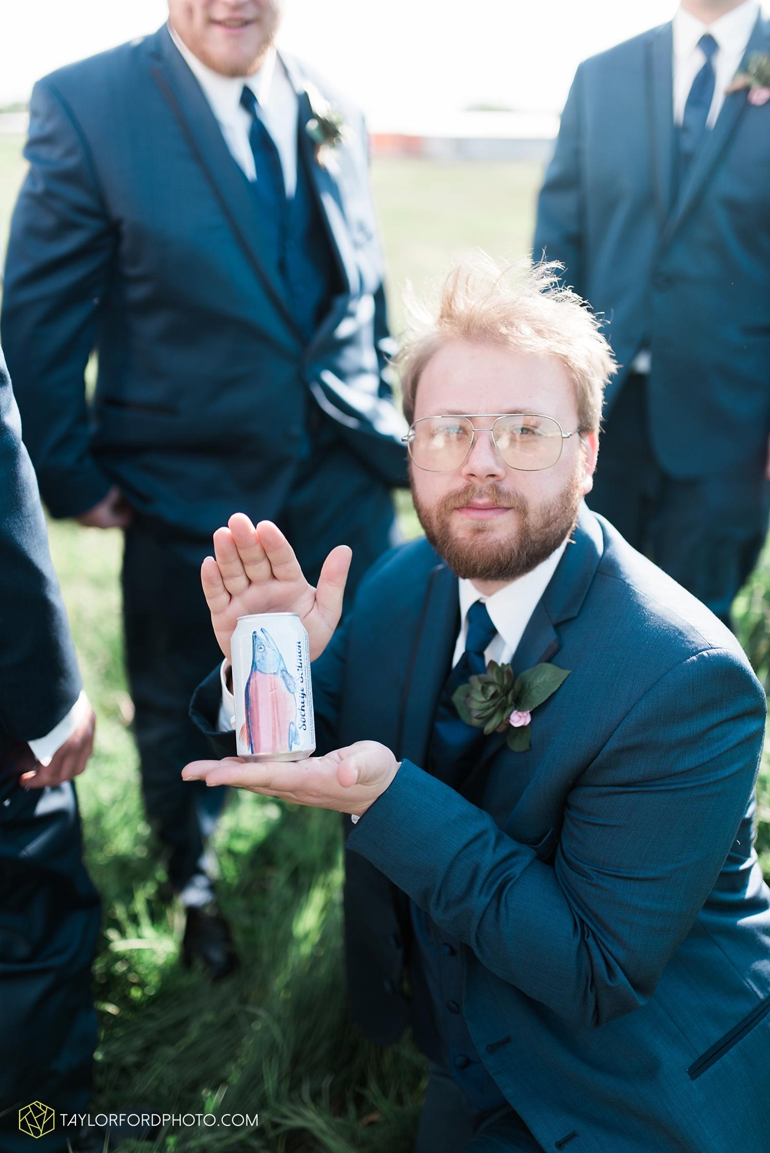 van_wert_ohio_wedding_photographer_taylor_ford_1297.jpg