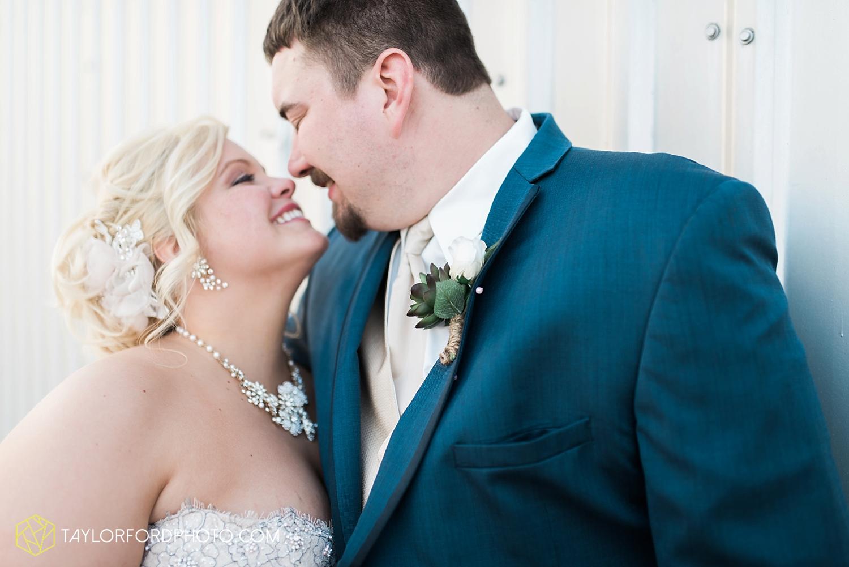 van_wert_ohio_wedding_photographer_taylor_ford_1302.jpg
