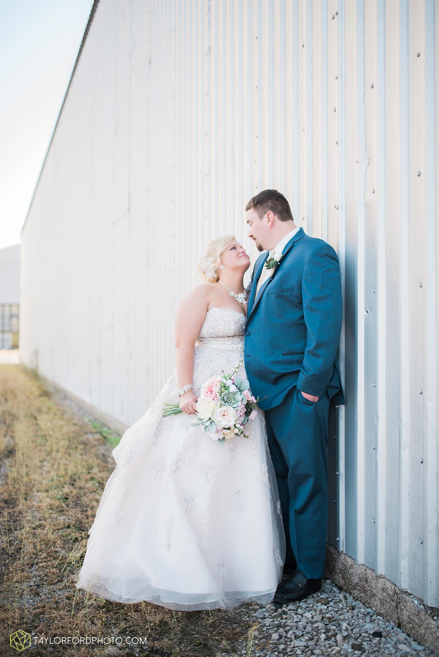 van_wert_ohio_wedding_photographer_taylor_ford_1301.jpg