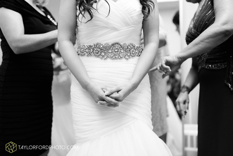 fort_wayne_indiana_wedding_photographer_taylor_ford_ipfw_ballroom_1554.jpg