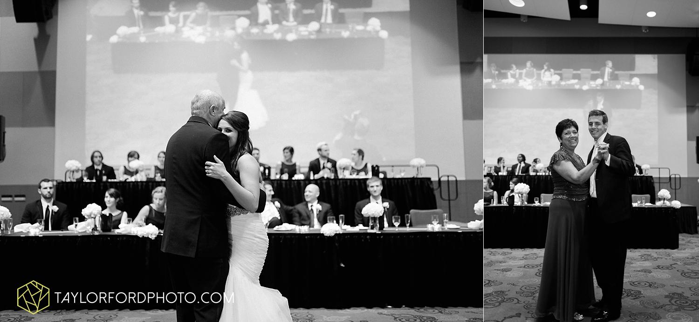 fort_wayne_indiana_wedding_photographer_taylor_ford_ipfw_ballroom_1646.jpg