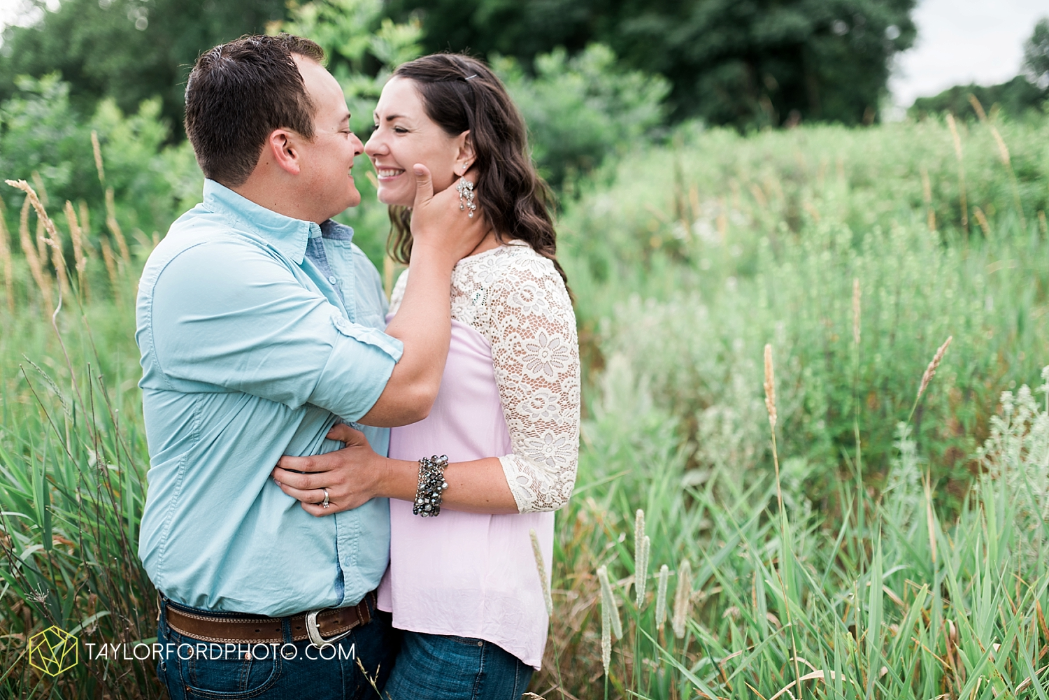 new_haven_indiana_engagement_photographer_taylor_ford_ipfw_ballroom_1700.jpg