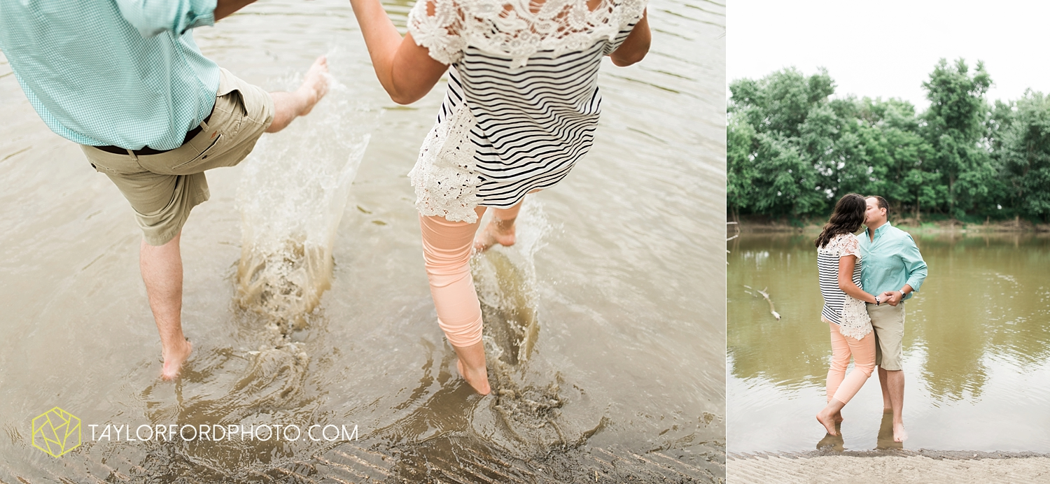 new_haven_indiana_engagement_photographer_taylor_ford_ipfw_ballroom_1702.jpg