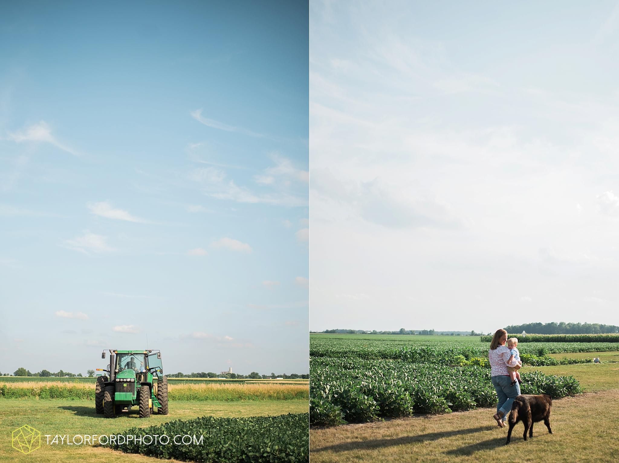 van_wert_ohio_farm_family_photographer_taylor_ford_wedding_1847.jpg
