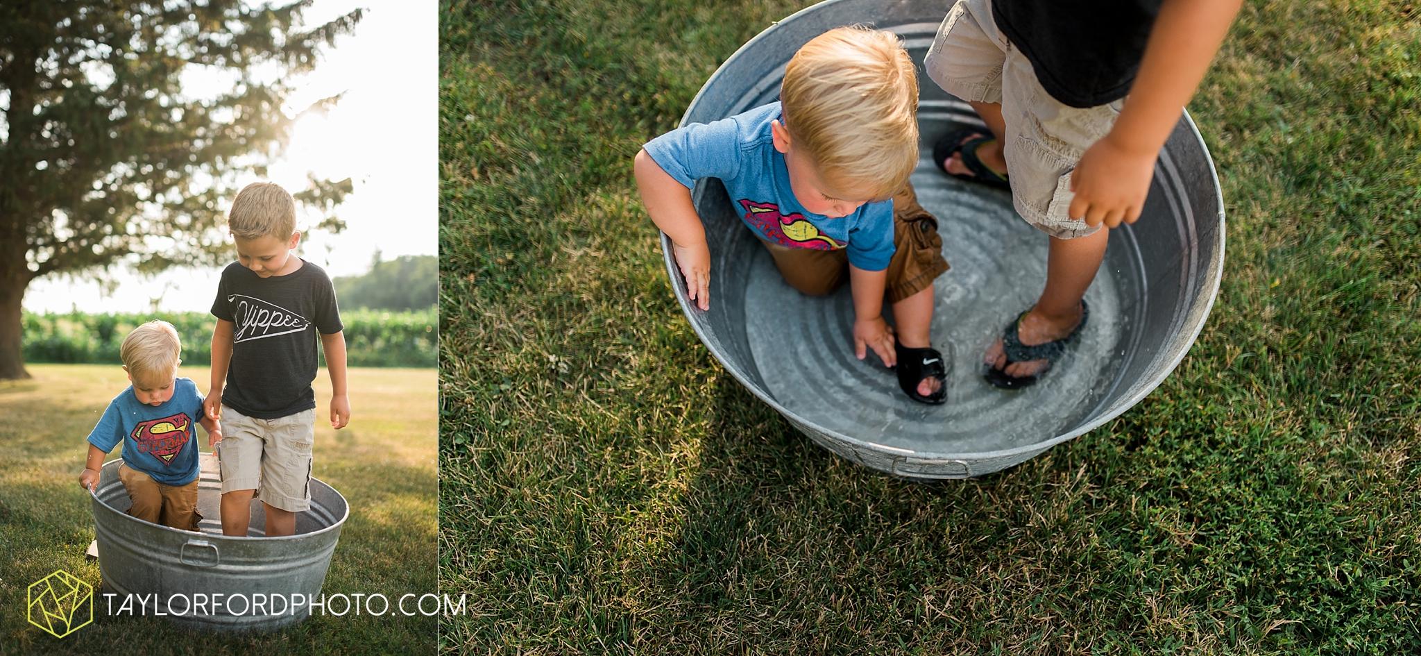 van_wert_ohio_farm_family_photographer_taylor_ford_wedding_1860.jpg