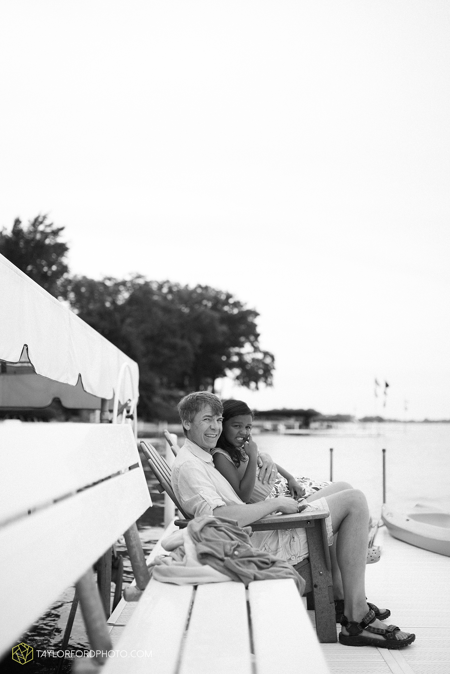syracuse_indiana_lake_wawasee_family_photographer_taylor_ford_wedding_1904.jpg