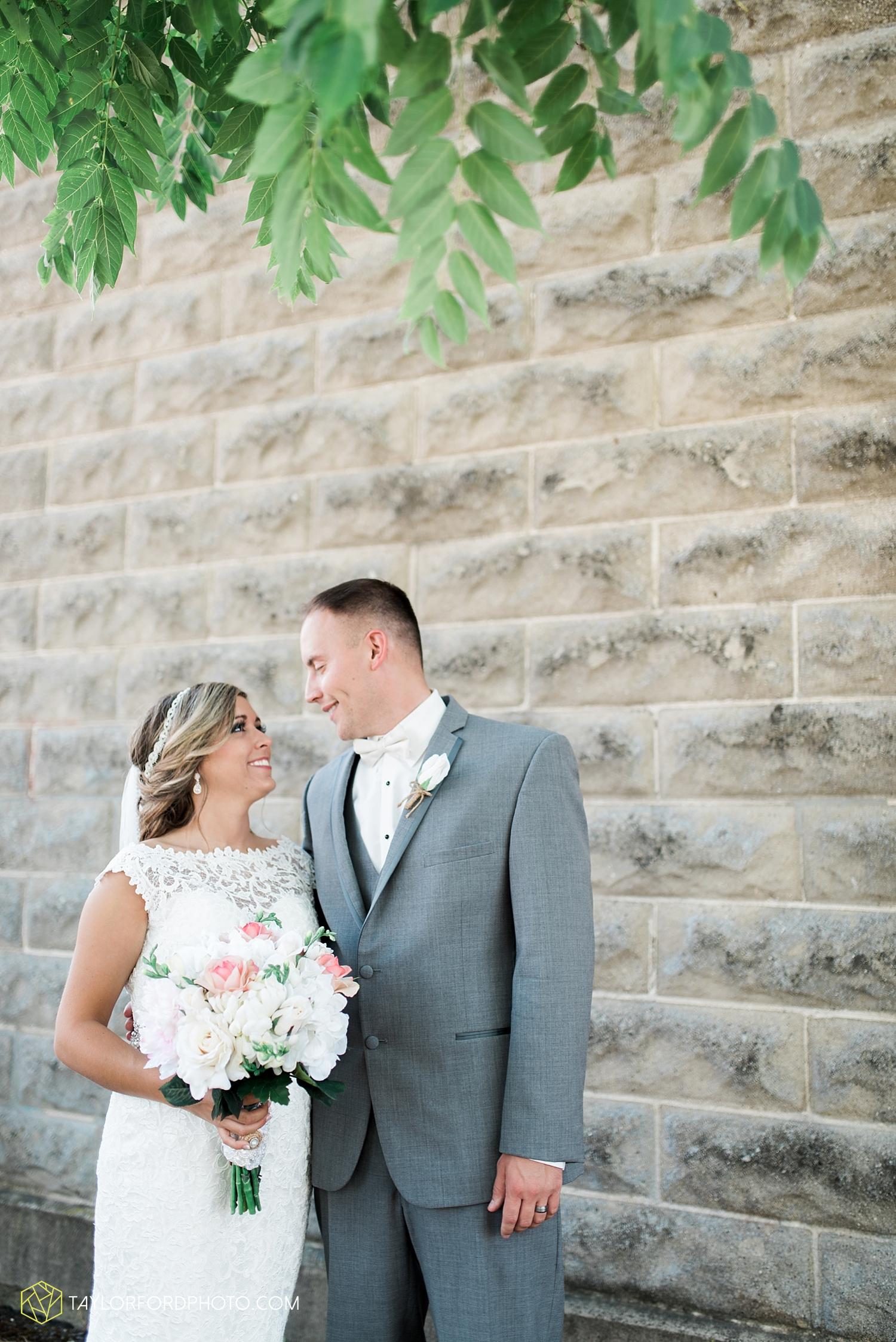 van_wert_wedding_photographer_taylor_ford_ohio_indiana_fort_wayne_2103.jpg