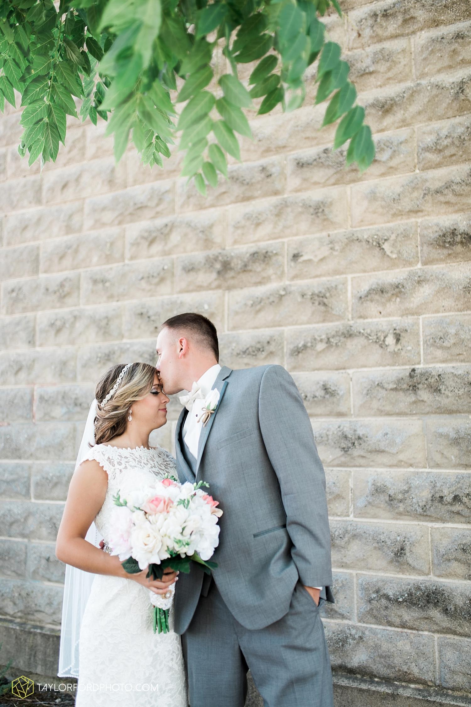 van_wert_wedding_photographer_taylor_ford_ohio_indiana_fort_wayne_2105.jpg