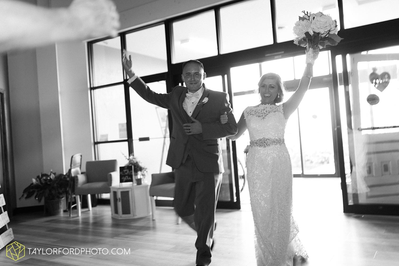 van_wert_wedding_photographer_taylor_ford_ohio_indiana_fort_wayne_2176.jpg