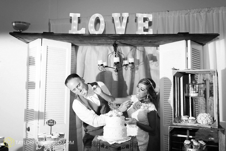 van_wert_wedding_photographer_taylor_ford_ohio_indiana_fort_wayne_2177.jpg