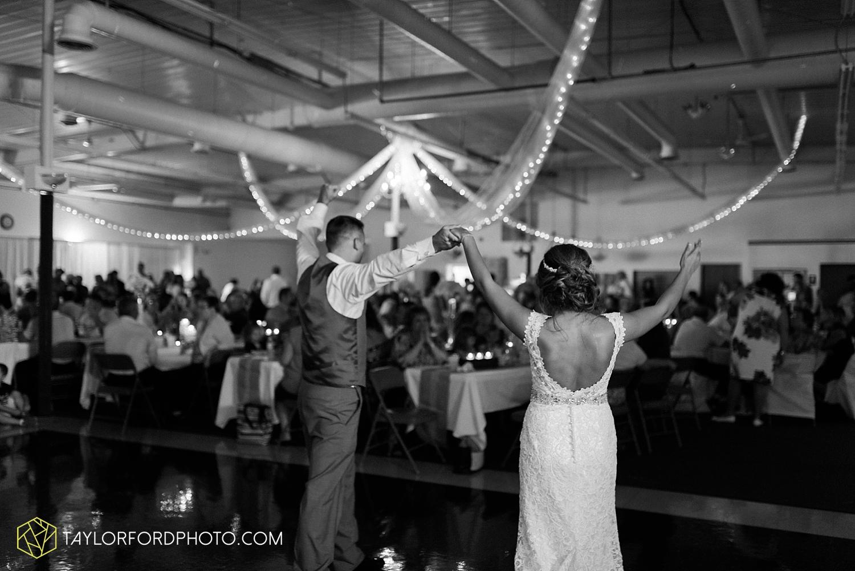 van_wert_wedding_photographer_taylor_ford_ohio_indiana_fort_wayne_2179.jpg