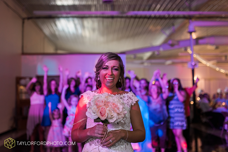 van_wert_wedding_photographer_taylor_ford_ohio_indiana_fort_wayne_2181.jpg