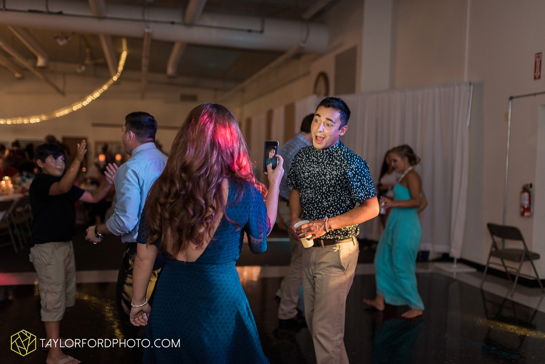 van_wert_wedding_photographer_taylor_ford_ohio_indiana_fort_wayne_2185.jpg