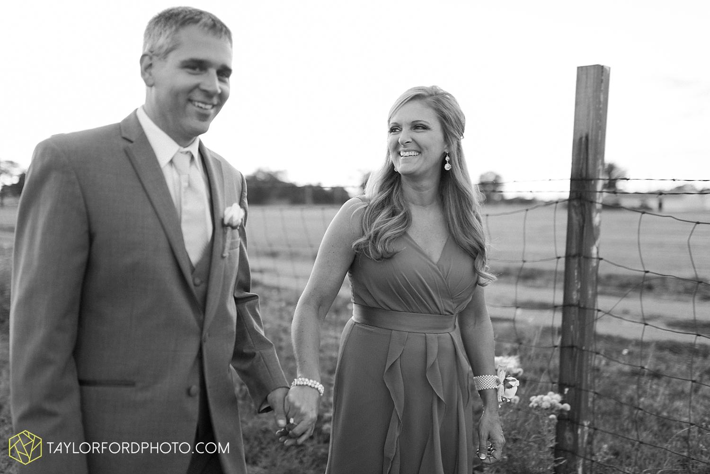 van_wert_wedding_photographer_taylor_ford_ohio_indiana_fort_wayne_2227.jpg