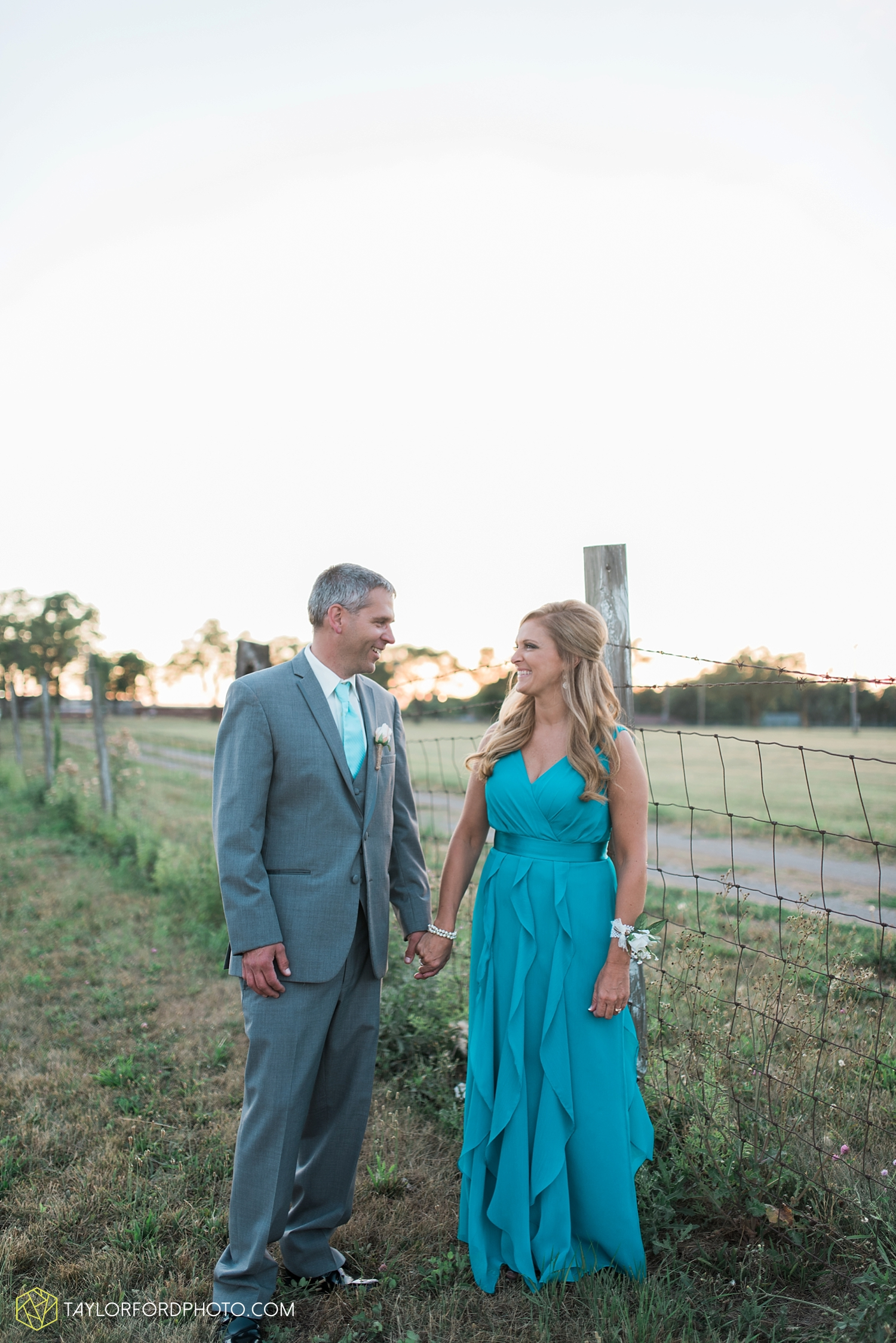 van_wert_wedding_photographer_taylor_ford_ohio_indiana_fort_wayne_2225.jpg