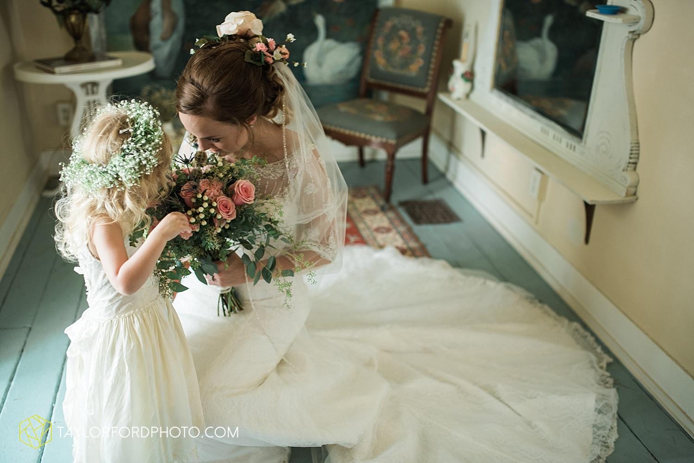 fort_wayne_indiana_wedding_photographer_taylor_ford_marian_hills_farm_0296.jpg