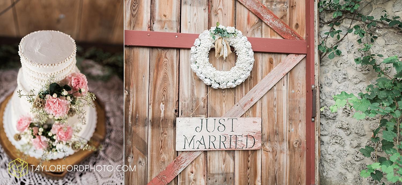 fort_wayne_indiana_wedding_photographer_taylor_ford_marian_hills_farm_0307.jpg