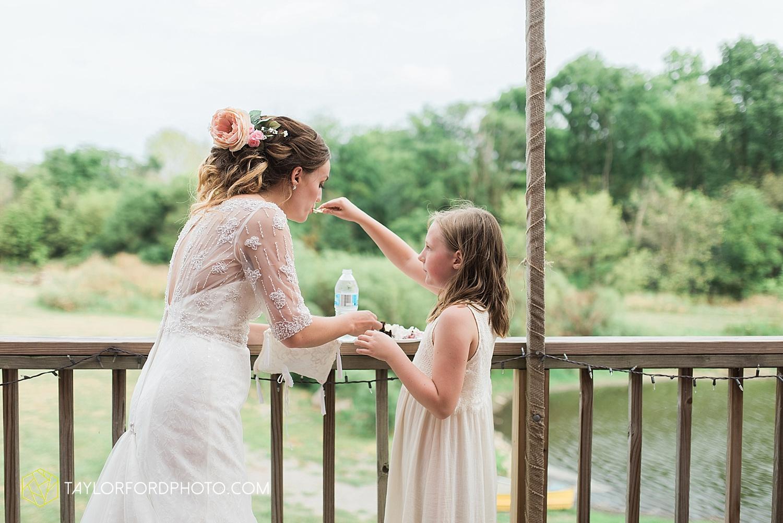 fort_wayne_indiana_wedding_photographer_taylor_ford_marian_hills_farm_0315.jpg