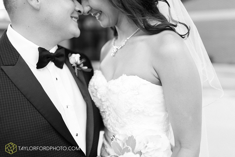 fort_wayne_indiana_wedding_photographer_taylor_ford_dupont_downs_0451.jpg
