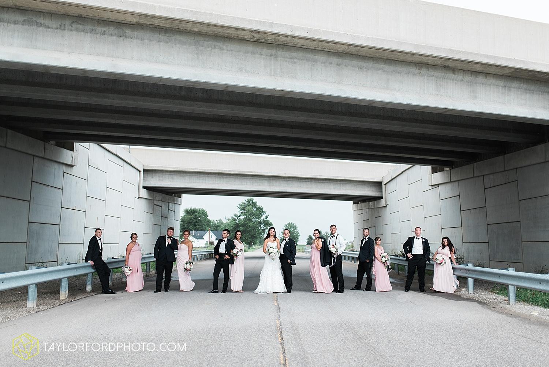 fort_wayne_indiana_wedding_photographer_taylor_ford_dupont_downs_0483.jpg