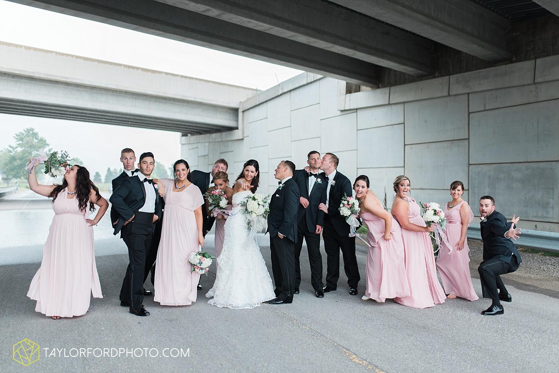 fort_wayne_indiana_wedding_photographer_taylor_ford_dupont_downs_0486.jpg