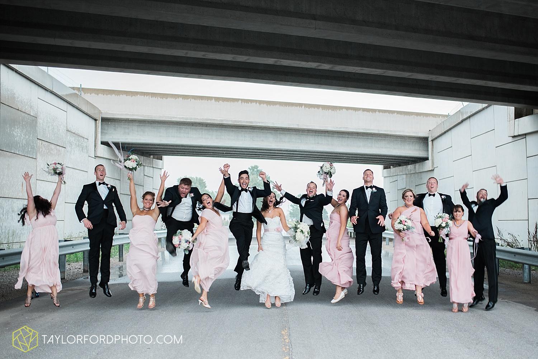 fort_wayne_indiana_wedding_photographer_taylor_ford_dupont_downs_0487.jpg