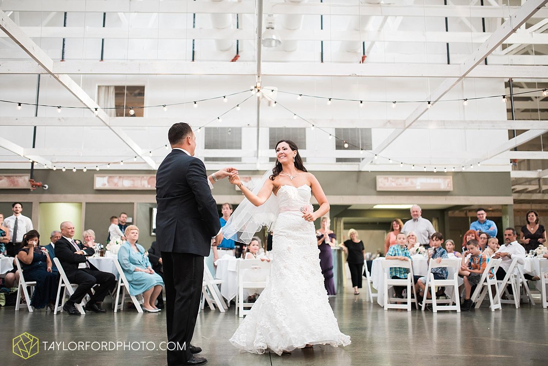 fort_wayne_indiana_wedding_photographer_taylor_ford_dupont_downs_0539.jpg