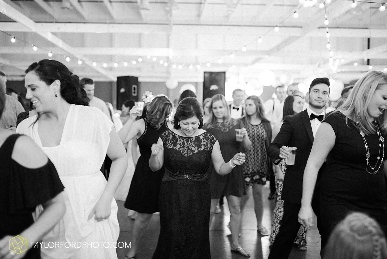 fort_wayne_indiana_wedding_photographer_taylor_ford_dupont_downs_0544.jpg