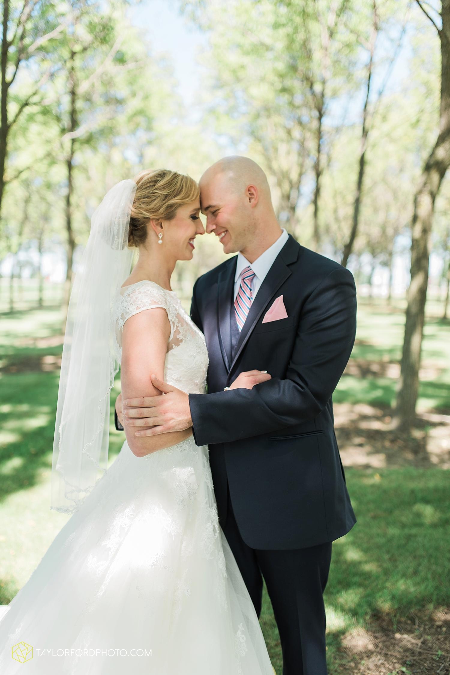 van_wert_ohio_fort_wayne_indiana__photographer_taylor_ford_nashville_tennessee_family_wedding_senior_cerutis_catering_2467.jpg