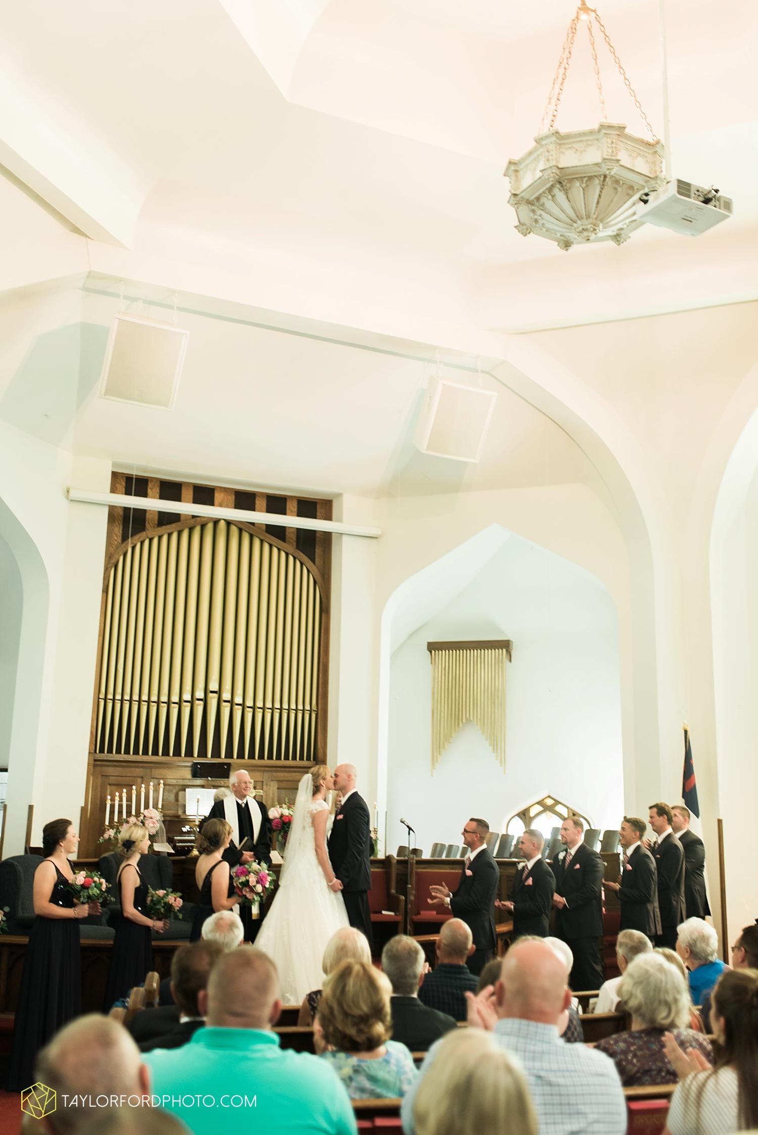 van_wert_ohio_fort_wayne_indiana__photographer_taylor_ford_nashville_tennessee_family_wedding_senior_cerutis_catering_2476.jpg