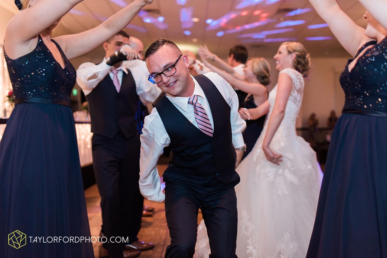van_wert_ohio_fort_wayne_indiana__photographer_taylor_ford_nashville_tennessee_family_wedding_senior_cerutis_catering_2559.jpg