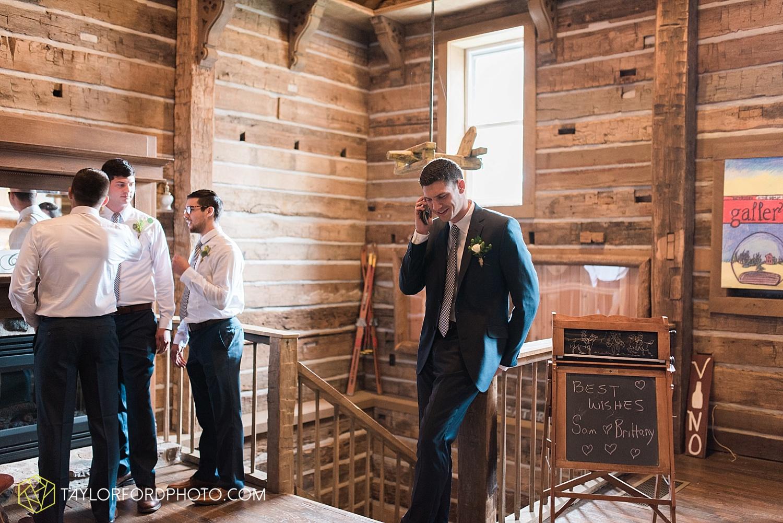 fort_wayne_indiana_van_wert_columbus_ohio_nashville_tennessee_photographer_taylor_ford_shoppes_at_old_mill_wedding_0650.jpg