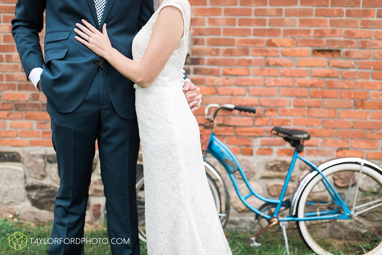 fort_wayne_indiana_van_wert_columbus_ohio_nashville_tennessee_photographer_taylor_ford_shoppes_at_old_mill_wedding_0656.jpg
