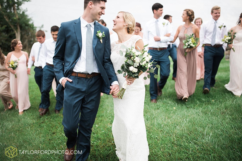 fort_wayne_indiana_van_wert_columbus_ohio_nashville_tennessee_photographer_taylor_ford_shoppes_at_old_mill_wedding_0661.jpg