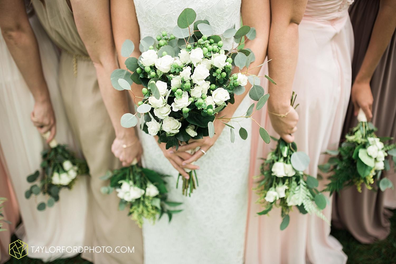 fort_wayne_indiana_van_wert_columbus_ohio_nashville_tennessee_photographer_taylor_ford_shoppes_at_old_mill_wedding_0664.jpg