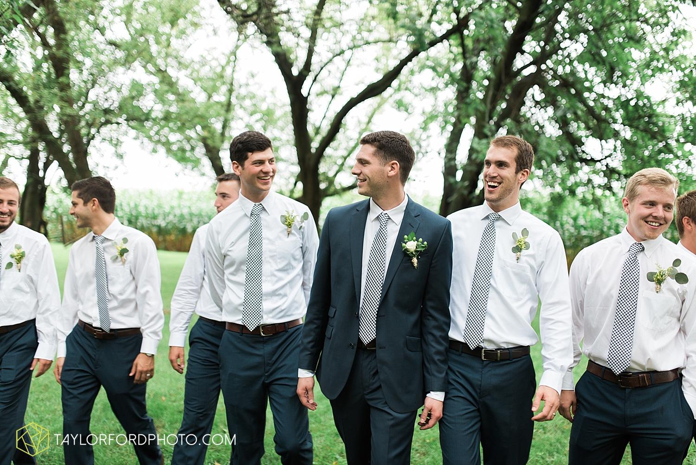 fort_wayne_indiana_van_wert_columbus_ohio_nashville_tennessee_photographer_taylor_ford_shoppes_at_old_mill_wedding_0716.jpg