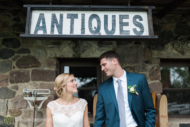 fort_wayne_indiana_van_wert_columbus_ohio_nashville_tennessee_photographer_taylor_ford_shoppes_at_old_mill_wedding_0720.jpg