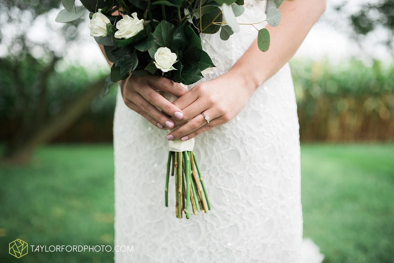 fort_wayne_indiana_van_wert_columbus_ohio_nashville_tennessee_photographer_taylor_ford_shoppes_at_old_mill_wedding_0723.jpg